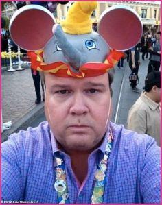 Eric-Stonestreet-Disneyland